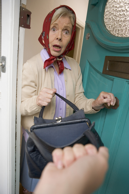 Stealing from the elderly – that's just wrong! | TheWorkingCaregiver