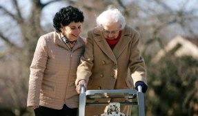 Winter_caregiver_senior